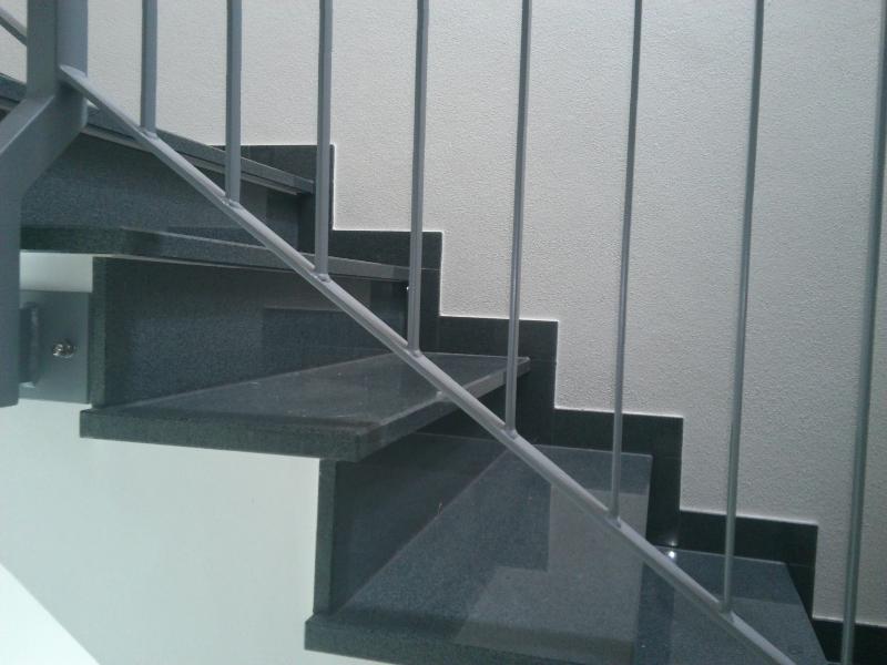 treppenbelag stein innen h user immobilien bau. Black Bedroom Furniture Sets. Home Design Ideas