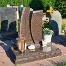 Urnenrgab_granit_coffe_brown_stelen_modern_Butzbach