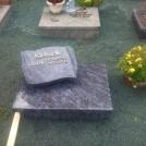 urnengrab_granit_orion_poliert_geschliffen_schrifttafel_abdeckung_einfassung_bronzeschrift_leun_bissenberg
